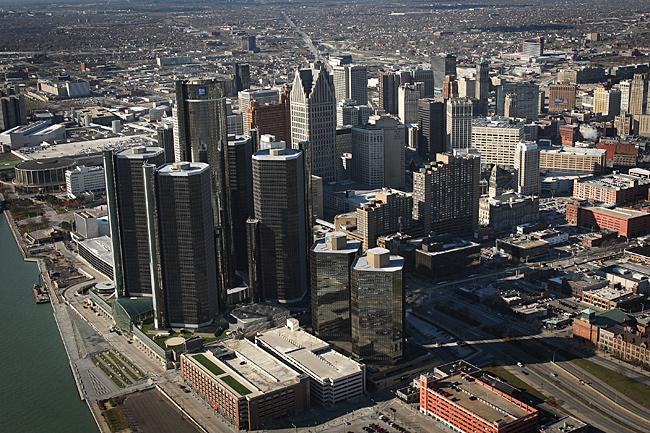 20130718_detroit-skyline_33